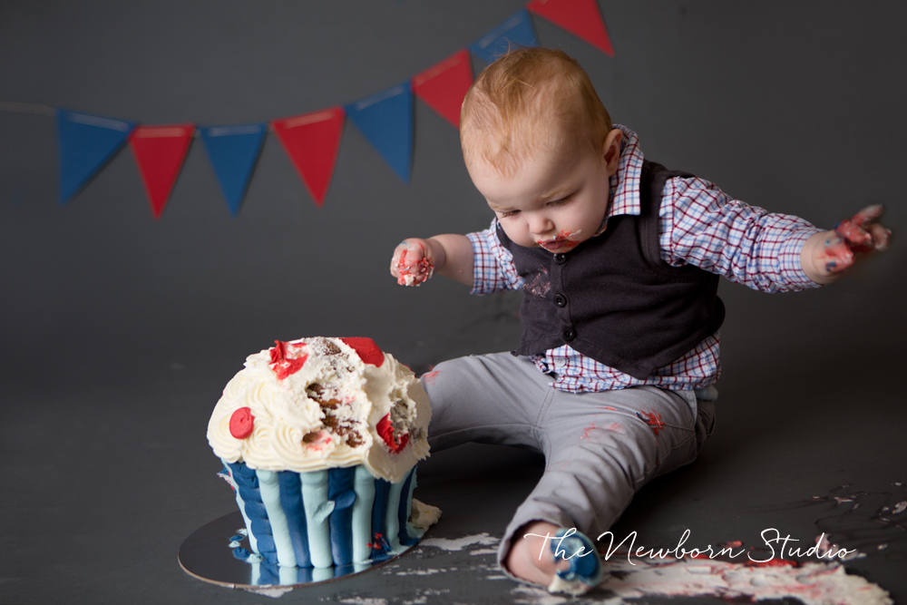 cake smash photographer one year old
