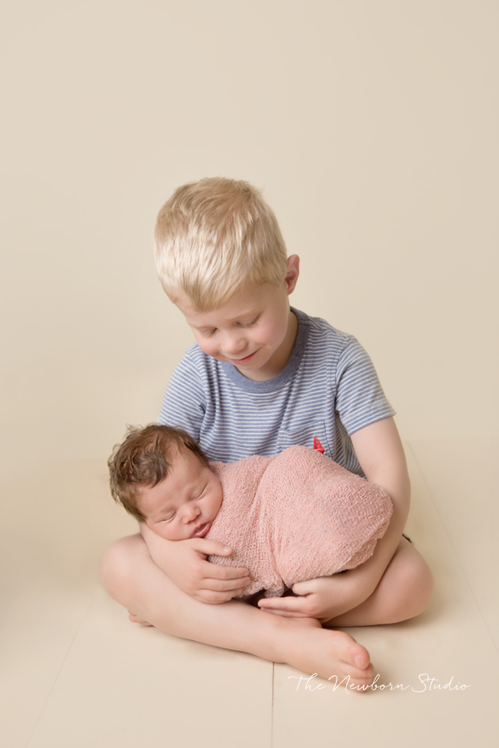 sibling brother newborn studio brisbane