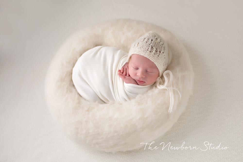newborn baby cream studio
