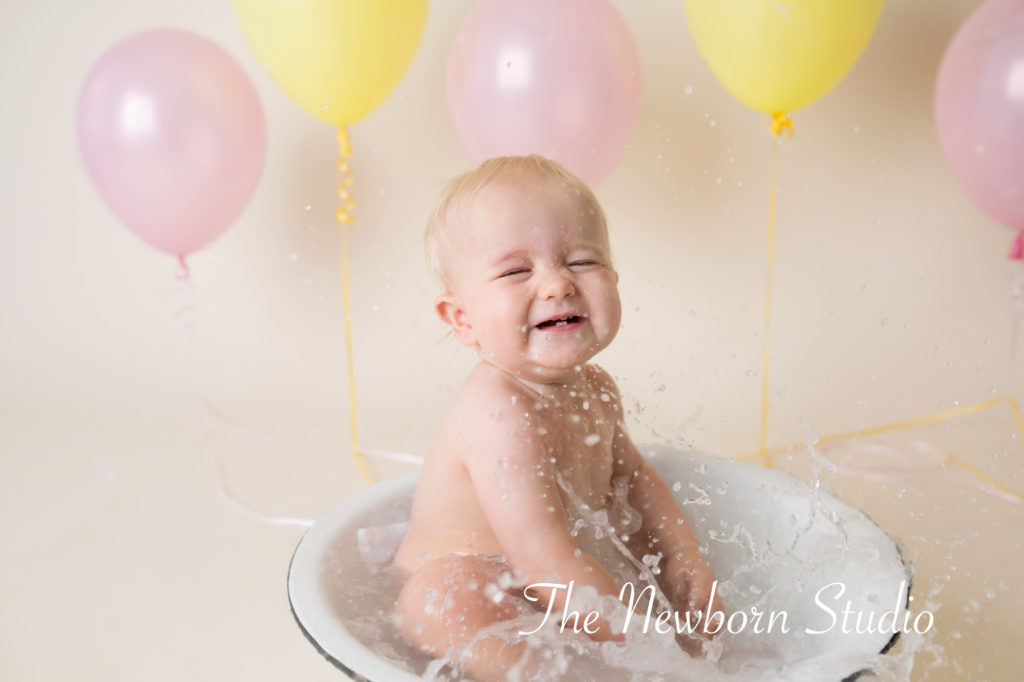 bubble bath cake smash girl