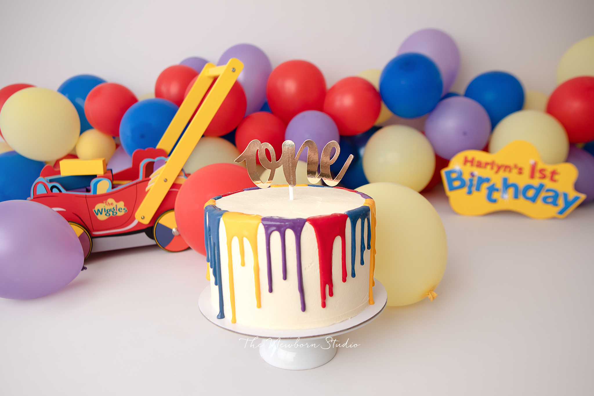 what's involved in a cake smash?